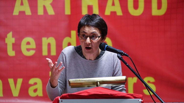 La candidate Lutte Ouvrière à la présidentielle Nathalie Arthaud, à Montpellier, en février 2017. (PASCAL GUYOT / AFP)