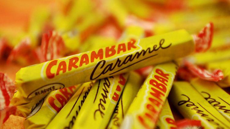 Carambar s'apprêterait à supprimer les fameuses blagues dans ses papillotes pour les remplacer par des jeux éducatifs. ( MAXPPP)