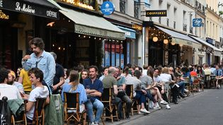 Des terrasses de restaurants parisiens, le 2 juin 2020, jour de la phase 2 du déconfinement. (BERTRAND GUAY / AFP)