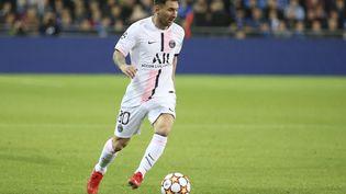 Lionel Messi tentera d'inscrire dimanche son premier but avec les couleurs du Paris Saint-Germain. (JEAN CATUFFE / NURPHOTO / AFP)