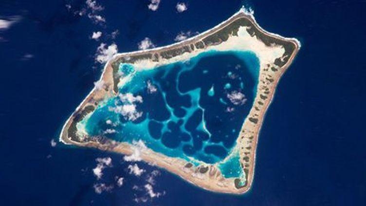 L'atoll d'Atafu, le plus petit et le deuxième plus peuplé de Tokelau, possède un accès internet par satellite régulier. De nombreux ordinateurs portables se sont invités sur Tokelau grâce à Freenom, la société qui possède l'extension de domaine du pays. (PHOTO12)