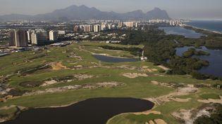 Vue aérienne du parcours de golf de Rio de Janeiro (Brésil) créé pour les Jeux olympiques 2016. (FELIPE DANA / AP / SIPA)