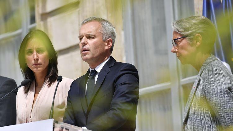 François de Rugy s'exprime lors de sa passation de pouvoir avec Elisabeth Borne, après sa démission du ministère de la Transition écologique, le 17 juillet 2019 à Paris. (MAXPPP)