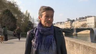 Christine Aubère, 50 ans, vit avec le virus du sida depuis presque 30 ans. Elle a pris les premiers traitements antirétroviraux dans les années 1990. (FRANCE 2)