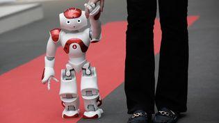 """Robot présenté à l'exposition """"Osons la France"""" au Grand Palais à Paris, le 4 décembre 2014. (VINCENT ISORE / MAXPPP)"""