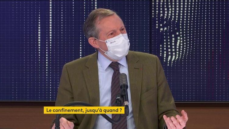 """Philippe Bas, sénateur Les Républicains, était l'invité du """"8h30 franceinfo"""" le 1er novembre. (FRANCEINFO / RADIOFRANCE)"""