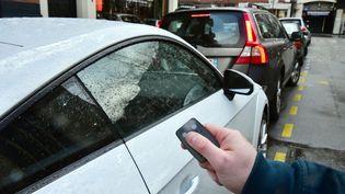 Utiliser une télécommande pour fermer son véhicule peut s'avérer dangereux. (MAXPPP)