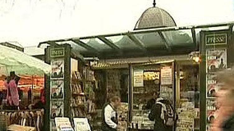 kiosque à journaux (© France)