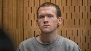 Le suprémaciste australien Brenton Tarrant, lors de son procès, le 27 août 2020, à Christchurch (Nouvelle-Zélande). (JOHN KIRK-ANDERSON / POOL)