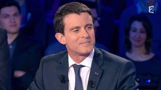 """Manuel Valls, le Premier ministre, le 16 janvier 2016 dans l'émission """"On n'est pas couché"""" sur France 2. (on n'est pas couché)"""