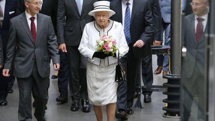 La reine Elisabeth II à son arrivée gare du Nord à Paris le 5 juin 2014. (FRANCOIS GUILLOT / AFP)