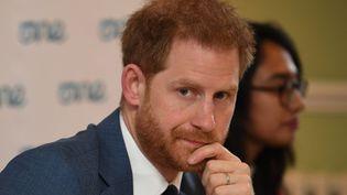 Le prince Harry, le 25 octobre 2019, au palais de Windsor, à Londres. (JEREMY SELWYN / AFP)