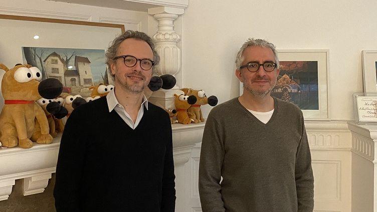 Clément Calvet et Jérémie Fajner devant Paf le Chien, une des dernières créations Superprod. (Mars 2021). (SYLVIA GUIRARD / SUPERPROD)