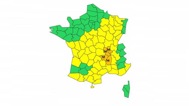 L'Ardèche, la Haute-Loire, la Loire et le Rhône ont été placés par Météo-France en alerte pluie-inondations et orages, dimanche 20 octobre 2019. (METEO FRANCE)