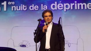 Raphaël Mezrahi, Monsieur Loyal de La Première Nuit de la Déprime, aux Folies Bergère, le 18 février 2013  (TIBOUL PEEX / MAXPPP )