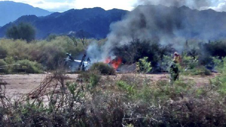 Photo de l'accident d'hélicoptère survenu près de Villa Castelli, dans la province de La Rioja, en Argentine, le 9 mars 2015. (NA - ARGENTINA / AFP)