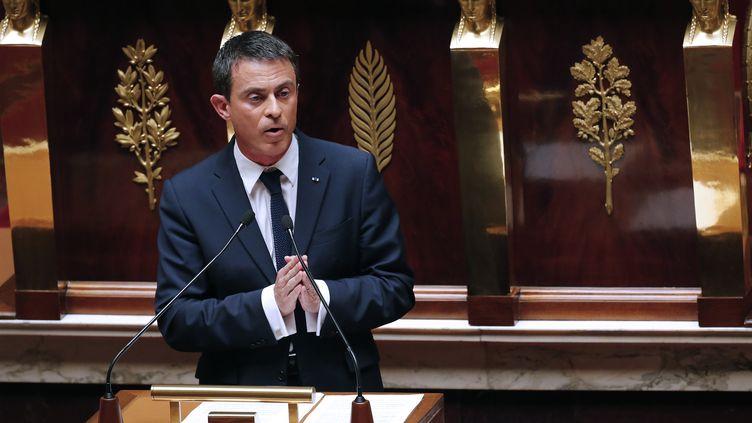 Manuel Valls, devant les députés, à l'Assemblée nationale,le 8 juillet 2015. ( JACKY NAEGELEN / REUTERS)