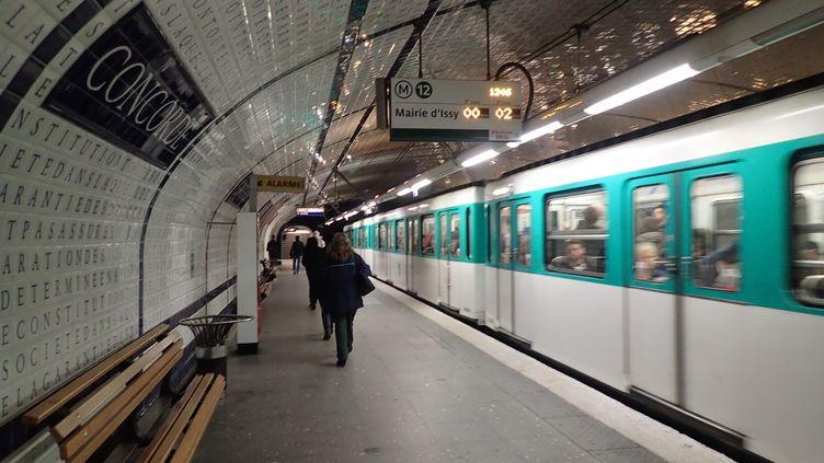 La station de métro Concorde sur la ligne 12 du métro parisien, le 13 avril 2016. (OLIVIER BOITET / MAXPPP)