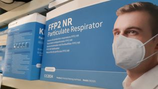 Des masques FFP2 vendus en pharmacie. (FLORENCE GOTSCHAUX / FRANCE-BLEU DRÔME-ARDÈCHE)