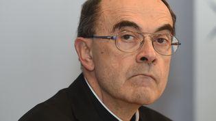 Le cardinal barbarin lors d'une conférence de presse à Lyon (Rhône), le 15 mars 2016. (ERIC CABANIS / AFP)