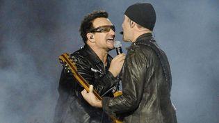 Bono et The Edge de U2 sur scène à Toronto, en novembre 2011.  ( DC5/WENN.COM/SIPA)