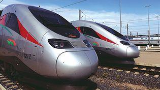 Deux trains à grande vitesse marocains en gare. (ONCF)