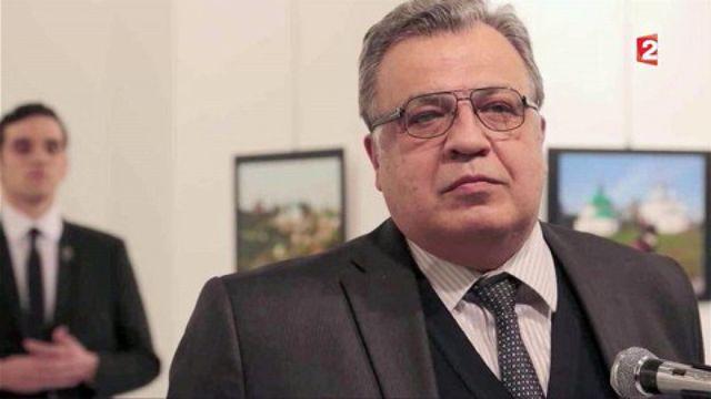 Turquie : l'ambassadeur russe à Ankara a été tué par balles par un policier turc