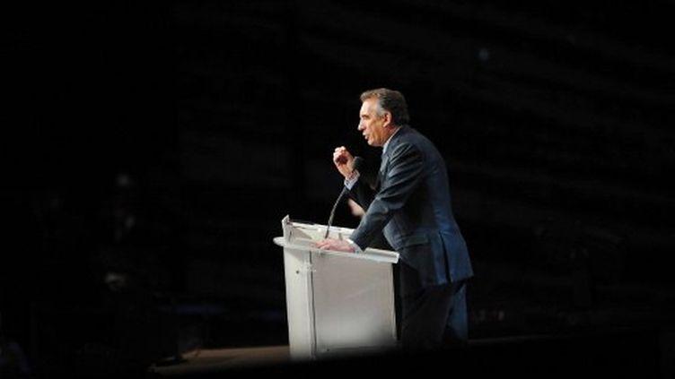 François Bayrou en meeting à Lille (PHILIPPE HUGUEN / AFP)