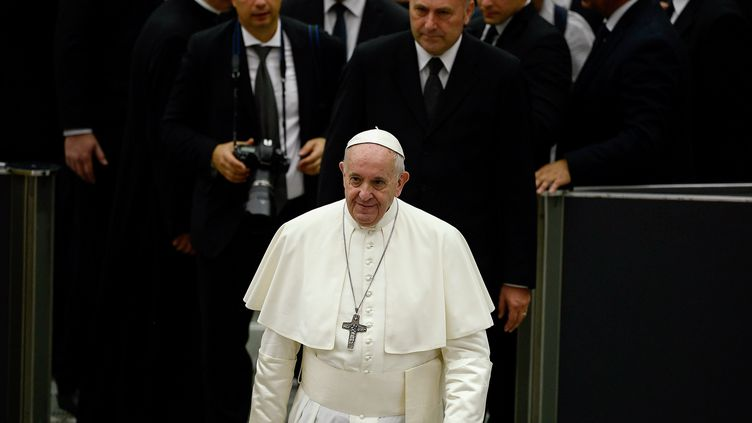 Le pape François, après son allocution publique hebdomadaire, au Vatican, le 7 août 2019. (FILIPPO MONTEFORTE / AFP)