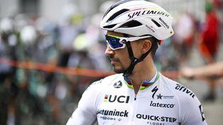 Le champion du monde français Julian Alaphilippe lors de la deuxième étape du Tour de Suisse, lundi 7 juin 2021. (GIAN EHRENZELLER / KEYSTONE via MaxPPP)