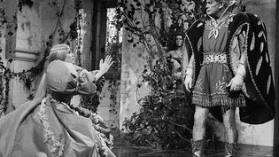 """Qui n'a pas en tête la délicieuse mélodie de Catherine Deneuve dans """"Peau d'Âne"""" en 1970, préparant son cake d'amour, et chantant le déroulé du mode d'emploi de sa confection ? (MICHEL GINFRAY / SYGMA VIA GETTY IMAGES)"""