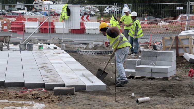 Le secteur de la construction regroupe à lui seul 43,7% du nombre total de détachements en Europe. (JACQUES DEMARTHON / AFP)
