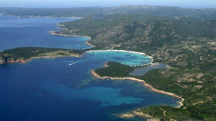 La baie de Rondianara, à Bonifacio, en Corse-du-Sud. (MAXPPP)