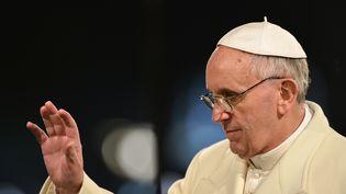 Le pape François, le 29 mars 2013 à Rome, lors des cérémonies de Pâques. (GABRIEL BOUYS / AFP)