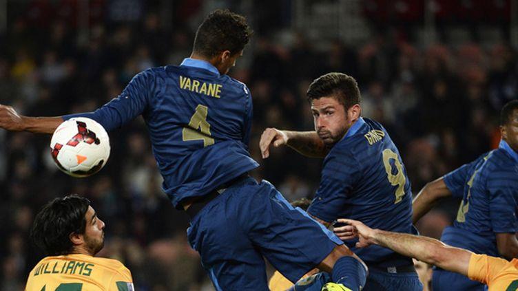 Giroud place une tête (FRANCK FIFE / AFP)