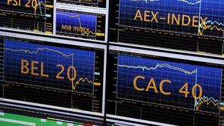 Ecrans sur l'Euronext Stock Exchange à la bourse de Paris. (THOMAS SAMSON / AFP)