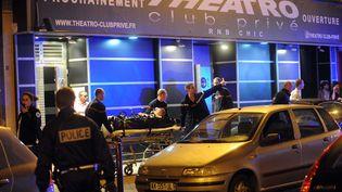 """Deux personnes ont été tuées et six autres blessées le 1er juillet 2012 lors d'une fusillade devant la discothèque """"Theatro"""" à Lille (Nord). (PHILIPPE PAUCHET  / MAXPPP)"""