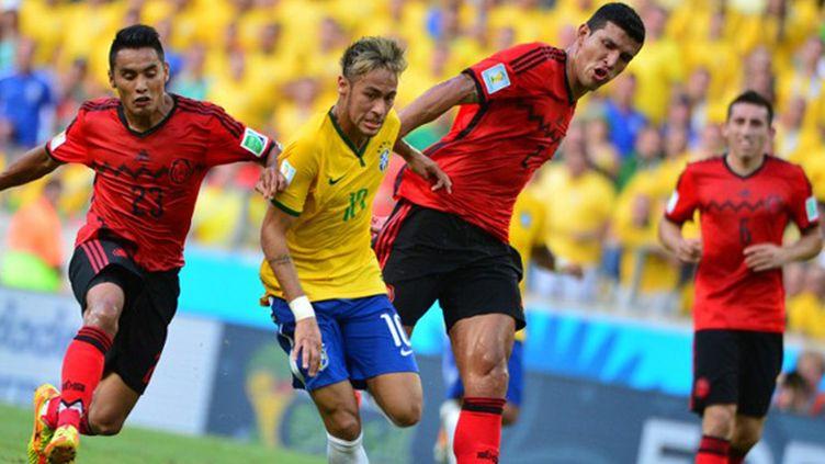 Neymar a trop souvent été esseulé sur le front de l'attaque du Brésil. (YURI CORTEZ / AFP)