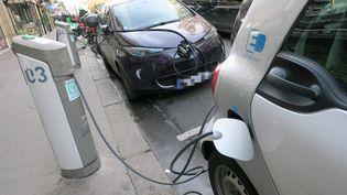 Le plan annoncé du gouvernement de 100 000 bornes de recharge rapide pour les voitures électriques. Illustration (MAXPPP)