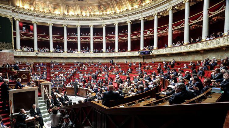 Le Premier ministre Edouard Philippe s'adresse aux députés lors d'une session de questions au gouvernement, le 25 février 2020 à Paris. (LUDOVIC MARIN / AFP)