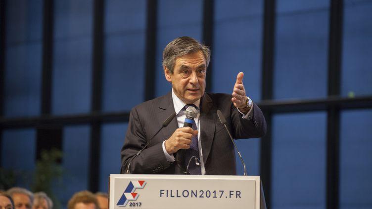 François Fillon lors d'un meeting à Courbevoie (Hauts-de-Seine), le 15 octobre 2016. (CITIZENSIDE/STÉPHANE ROUPPERT / CITIZENSIDE)
