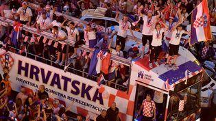 L'équipe de Croatie de retour à Zagreb, avec ses supporters. (ANDREJ ISAKOVIC / AFP)