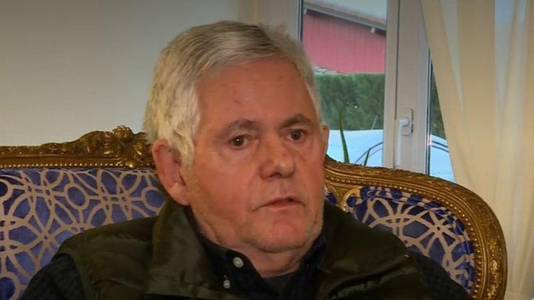 Parmi les 13 militaires tués au Mali, lundi 25 novembre, figure le caporal-chef Romain Salles de Saint-Paul, âgé de 35 ans, marié et père de deux enfants. Son père a accepté de témoigner. (France 2)