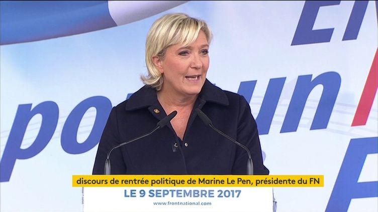 Marine Le Pena fait son discours de rentrée politique dans le petit village de Brachay (Haute-Marne) le 9 septembre 2017. (FRANCEINFO)