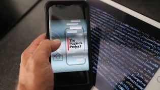 Des centaines d'hommes et femmes politiques, d'activistes, de journalistes et d'avocats ontvu leur téléphone infiltré par le logiciel espion Pegasus. (JEAN-FRANCOIS FREY / MAXPPP)