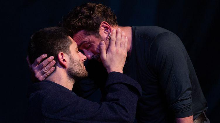 """Arthur Fourcade et Mickaël Pinelli Ancelin dans """"Dom Juan"""" mis en scène par Olivier Maurin (@MICHEL CAVALCA)"""
