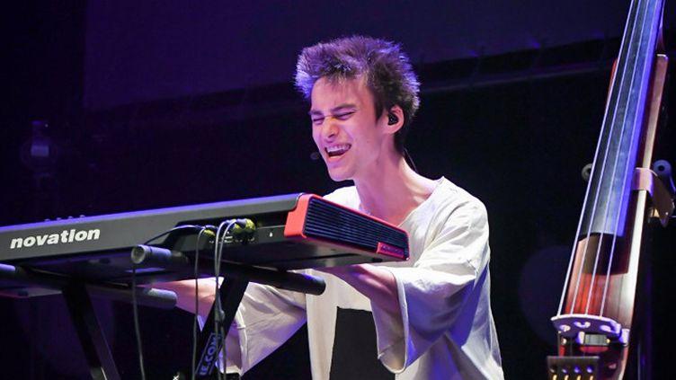 Jacob Collier chante au Théâtre de Coutances, le 24 mai 2017  (Pierre-Yves Le Meur)
