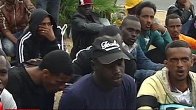 Des migrants bloqués à la frontière de Menton