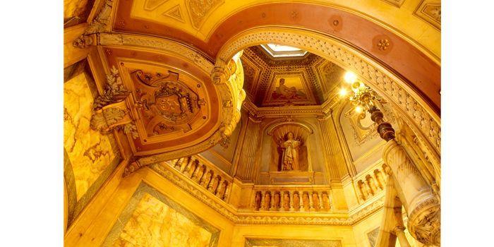 Hôtel de La Païva : Le grand escalier d'onyx, 25 avenue des Champs-Elysées, Paris  (Gilles Targat)