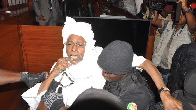 (Hissène Habré au tribunal spécial africain, à Dakar, en juillet 2015. © MaxPPP)